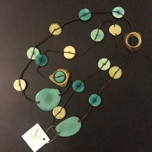 Jewelry - Beautiful turquoise NWT necklace and earring set